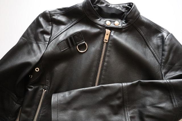 黒のレザージャケット